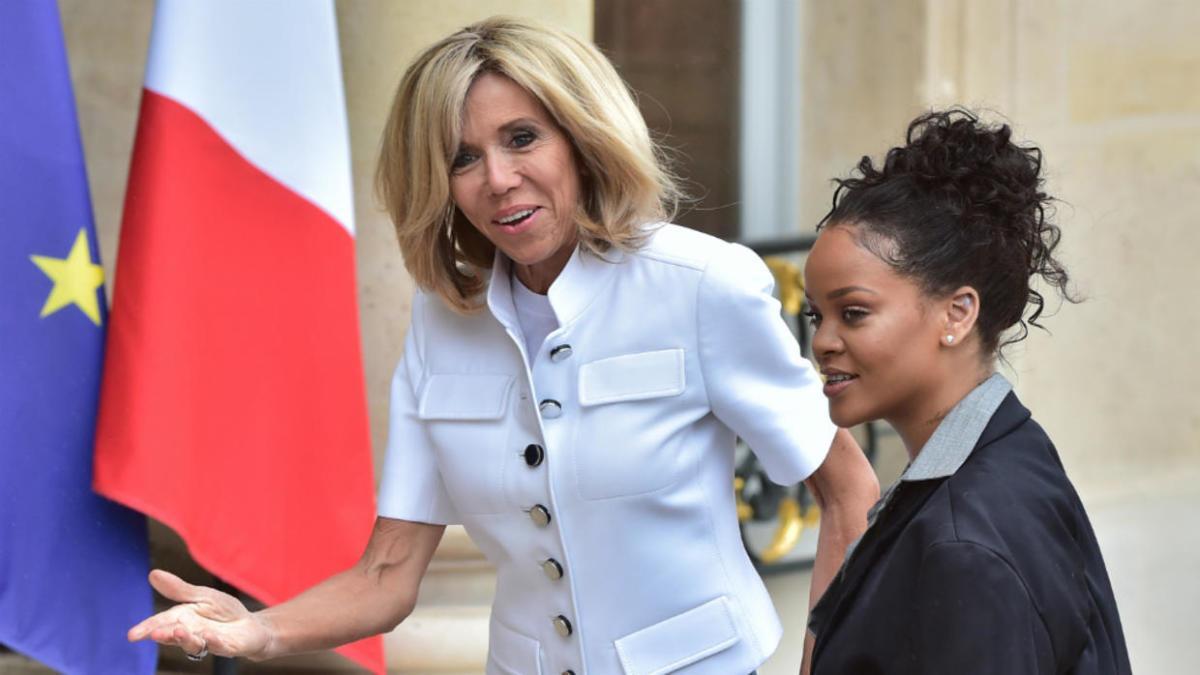 Emmanuel Macron S Wife Brigitte Macron Get The Lowdown